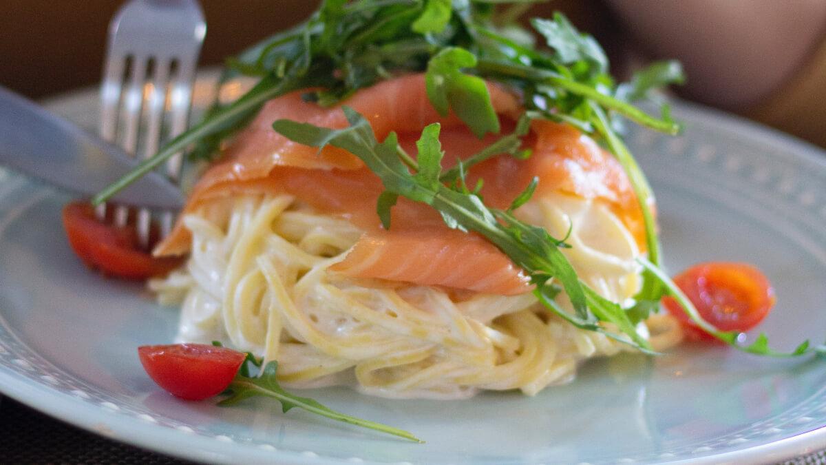 Recept: Pasta med mascarpone och lax
